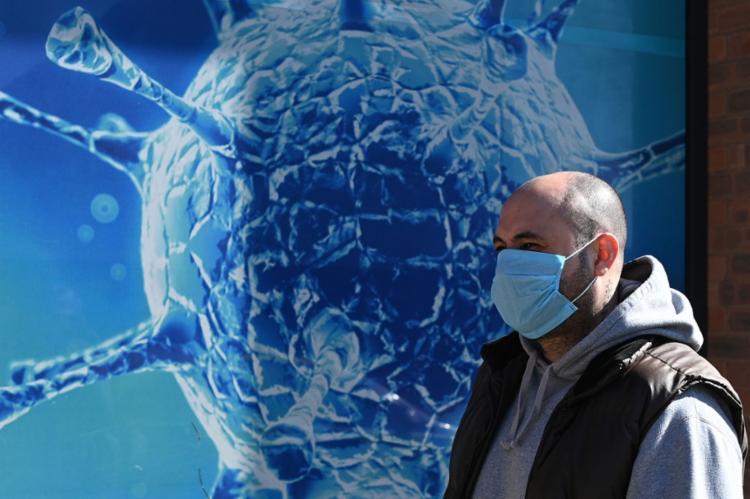 Um dos suportes eficazes de combate à pandemia tem sido a adoção de medidas de alívio a estados e municípios | Foto: Oli Scarff | AFP - Foto: Oli Scarff | AFP