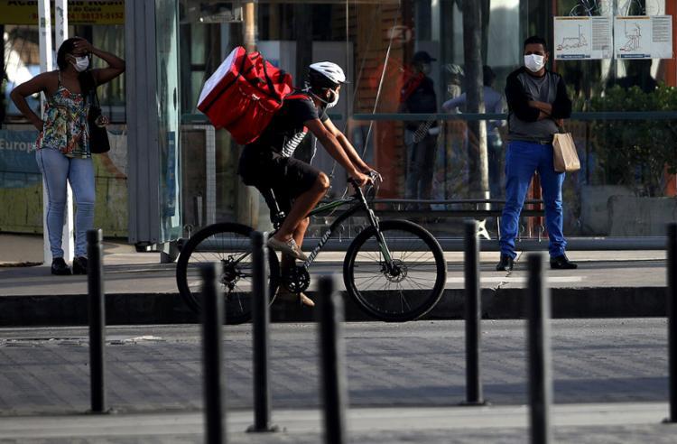 A economia vai aguentar um isolamento social por tempo muito longo | Foto: Felipe Iruatã | Ag. A TARDE - Foto: Felipe Iruatã | Ag. A TARDE