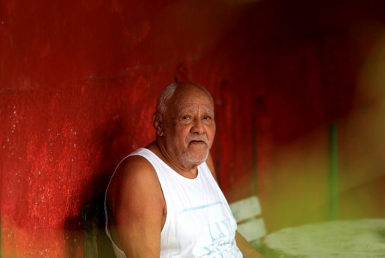 Aos 89 anos, ex-goleiro Nadinho vive em Itapuã | Foto: Adilton Venegeroles | Ag. A TARDE - Foto: Adilton Venegeroles | Ag. A TARDE