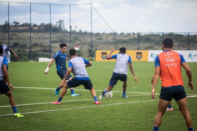 A atividade teve ênfase na troca de passes e posse de bola | Foto: Felipe Oliveira | EC Bahia - Foto: Felipe Oliveira | EC Bahia