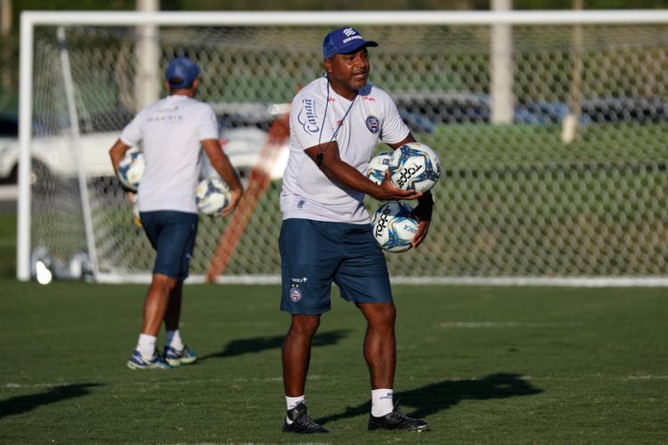O treinador promoveu um treino tático na Cidade Tricolor | Foto: Felipe Oliveira | EC Bahia - Foto: Felipe Oliveira | EC Bahia