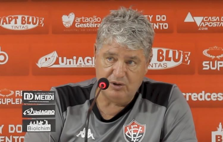 Geninho, treinador do Vitória: