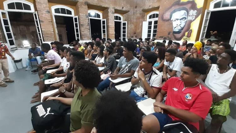 Educação antirracista no combate ao racismo é projetar uma sociedade com humanidade, diz coordenadora pedagógica do Instituto Cultural Steve Biko   Foto: Reprodução   Instagram