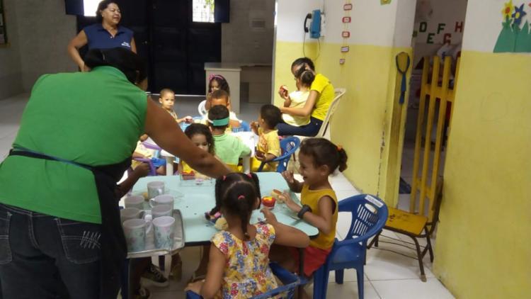 Na instituição, crianças fazem três refeições por dia | Foto: Divulgação | Creche Grão de Mostrada