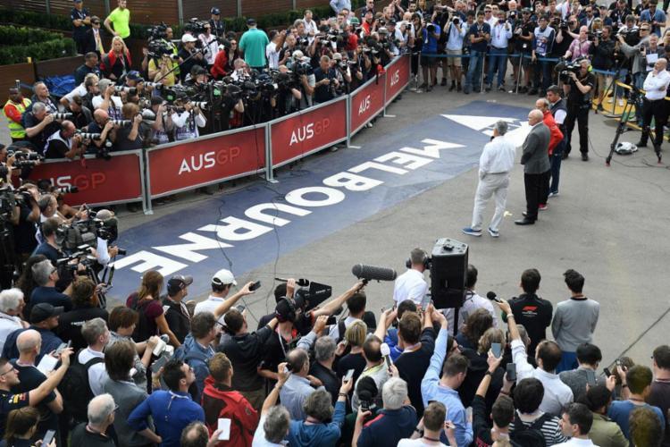 A decisão foi anunciada horas depois da equipe da McLaren divulgar que um membro da equipe fora diagnosticado com coronavírus | Foto: William West | AFP - Foto: William West | AFP