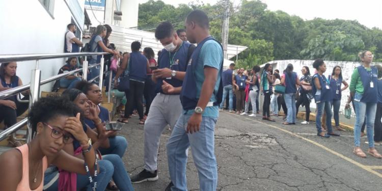 Em meio ao surto do novo coronavírus, trabalhadores continuam exercendo suas funções em um sala com 300 pessoas   Foto: Reprodução   Whatsapp - Foto: Reprodução   Whatsapp