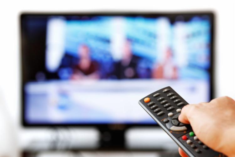 Mídias tradicionais como jornais impressos, rádio e TV seguem na preferência do eleitorado na busca por informação - Foto: | Reprodução