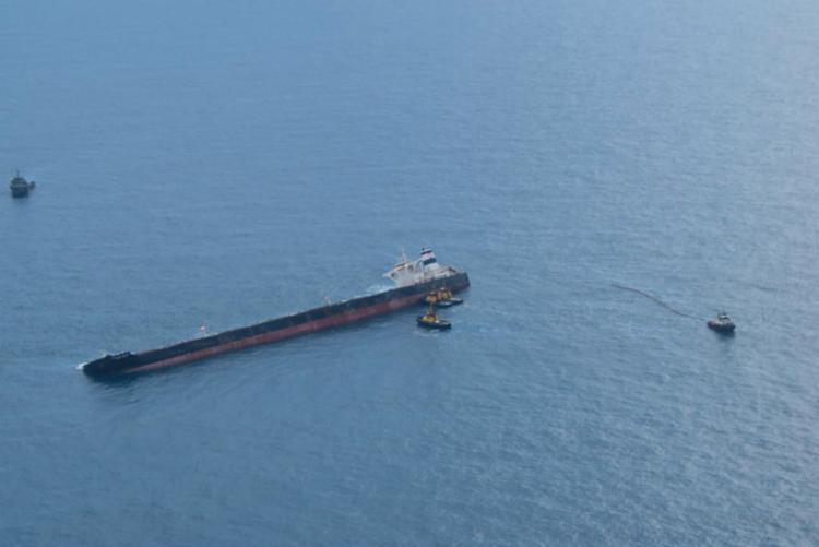 Segundo a Marinha, não houve vazamento de óleo no mar   Foto: Divulgação   Ibama - Foto: Divulgação   Ibama