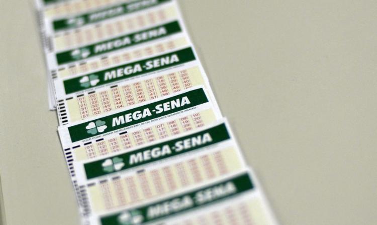 A aposta mínima na Mega-Sena custa R$ 4,50 | Foto: Marcello Casal Jr. | Agência Brasil - Foto: Marcello Casal Jr. | Agência Brasil