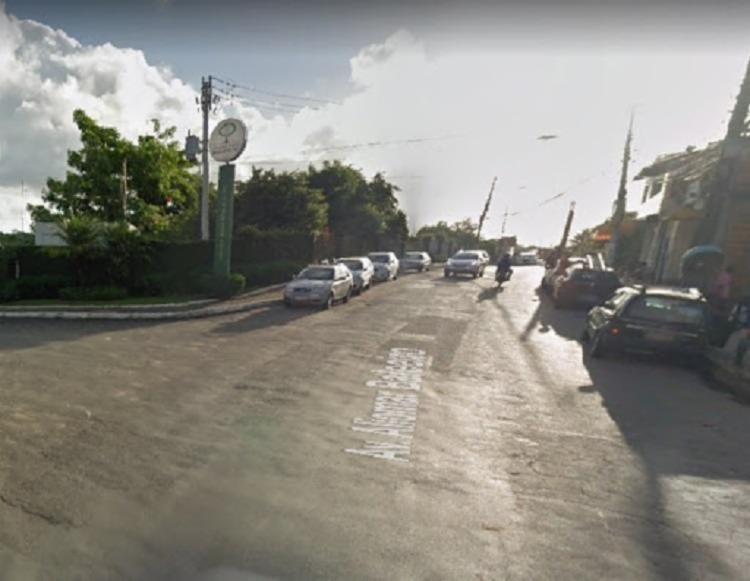 Motociclista teria perdido o controle da direção e acabou atingindo um poste | Foto: Reprodução | Gogole Street View - Foto: Reprodução | Google Street View