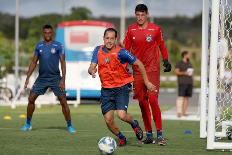 O meia Rodriguinho figurou entre os titulares durante o treino | Foto: Felipe Oliveira | EC Bahia - Foto: Felipe Oliveira | EC Bahia