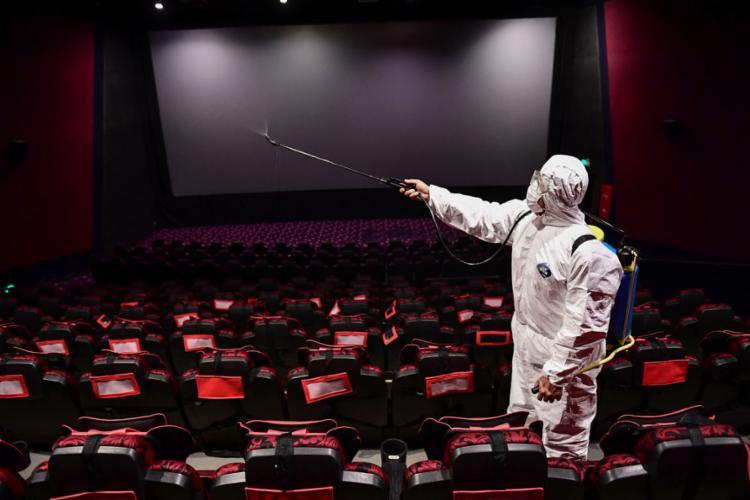 As salas de cinema de todo o mundo foram fechadas devido à pandemia de Covid-19 | Foto: AFP - Foto: AFP