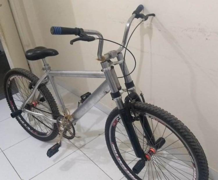 Foi encontrada uma bicicleta que teria sido utilizada no momento do crime | Foto: Divulgação | PC - Foto: Divulgação | PC