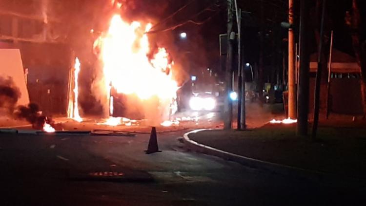 O ataque seria retaliação pela morte de um homem na tarde desta segunda, 2   Foto: Cidadão Repórter   Via Whatsapp - Foto: Cidadão Repórter   Via Whatsapp