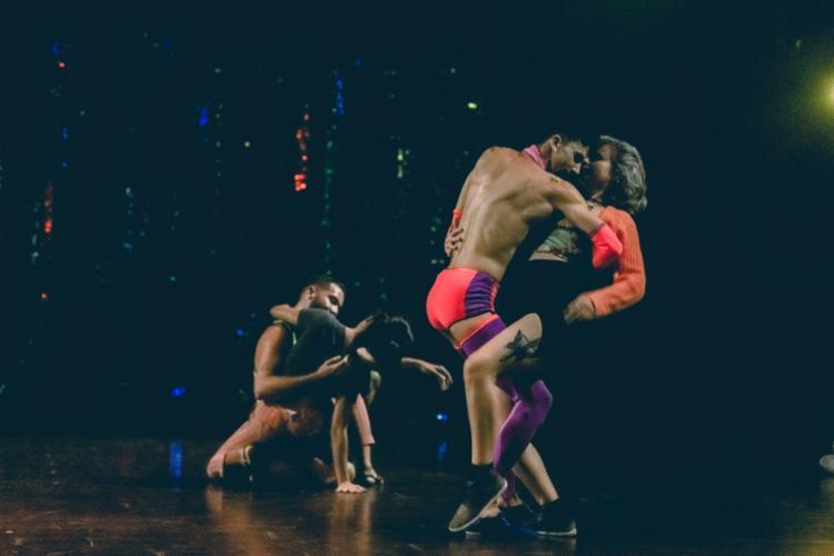 Peça questiona a heteronormatividade como padrão de comportamento nas danças de salão   Foto: Divulgação - Foto: Divulgação