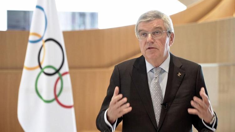 Antes da decisão, o presidente do COI, Thomas Bach, se reuniu em teleconferência com os organizadores | Foto: AFP - Foto: AFP