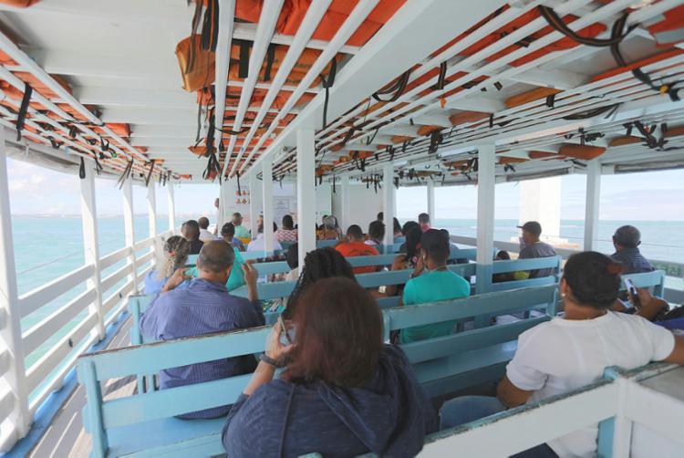 Embarcações estão saindo de meia em meia hora   Foto: Uendel Galter   Ag. A TARDE - Foto: Uendel Galter   Ag. A TARDE