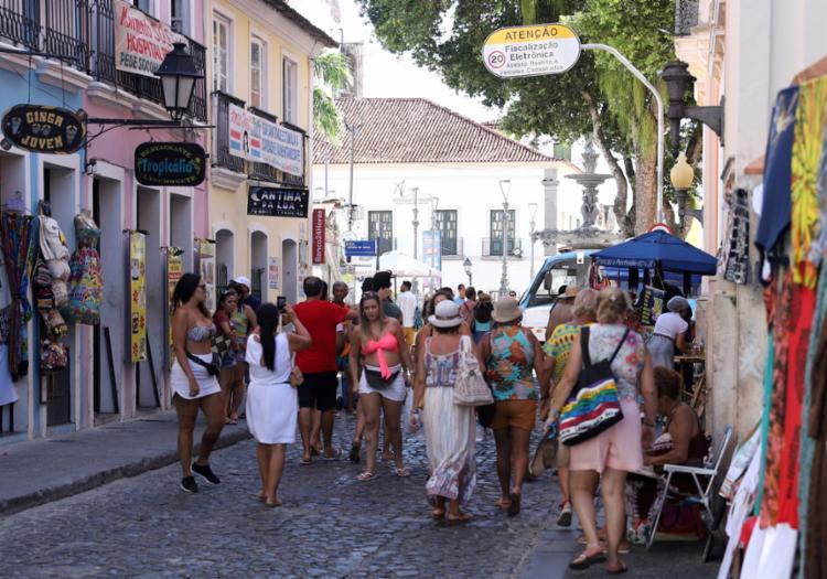 Apesar de recuo no número de turistas, faturamento apresentou avanço | Foto: Uendel Galter | Ag. A TARDE - Foto: Uendel Galter | Ag. A TARDE