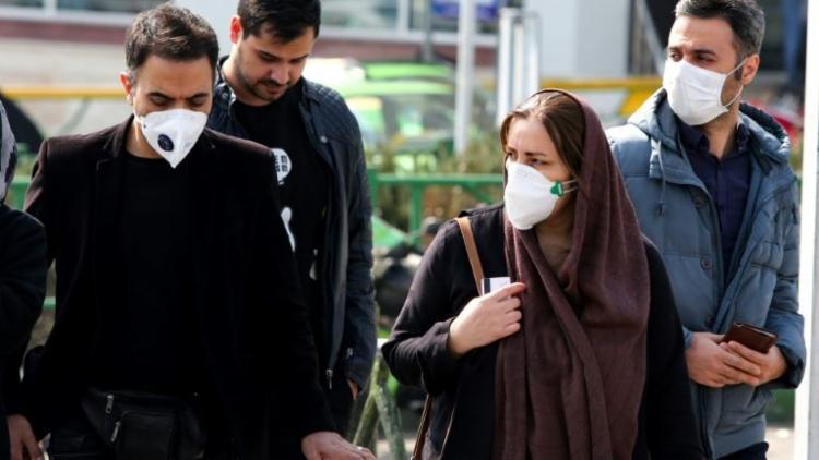 O número de casos confirmados no país aumentou para 98 | Foto: AFP - Foto: AFP