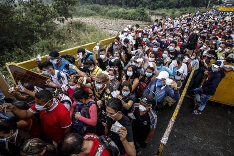 No Panamá, o número de contaminados duplicou em um dia | Foto: Scneyder Mendoza | AFP - Foto: Scneyder Mendoza | AFP