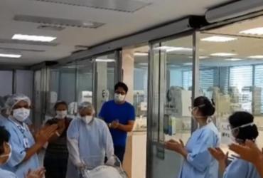 Recém-nascida se recupera e é aplaudida por equipe médica   Reprodução