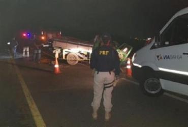 Colisão entre caminhonete e carreta deixa um morto em Vitória da Conquista | Reprodução | Blog do Anderson