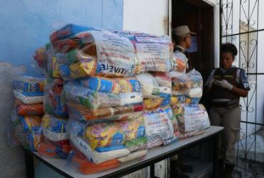 Moradores do Calabar são beneficiados com 100 cestas básicas |