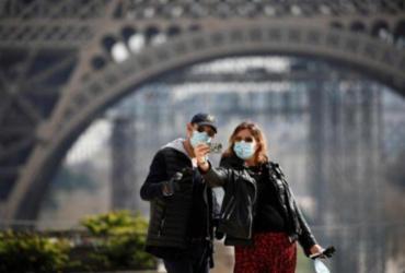 Chanel começa a produzir máscaras e uniformes médicos em suas fábricas | Reprodução