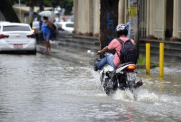 Tempo deve permanecer instável em Salvador até quarta-feira, diz Codesal | Shirley Stolze | Ag. A TARDE