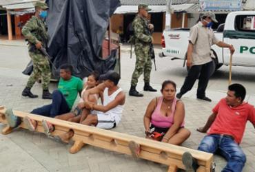 Colômbia: infratores de quarentena são presos pelos pés | Divulgação