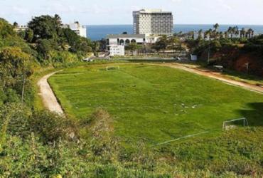 Campo de futebol da UFBA é interditado por descumprir decreto | Eduardo Martins | Ag. A TARDE