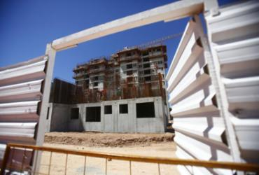 Visitas a obras alertam construção civil | Laryssa Machado | Ag. A TARDE | 15.4.2020
