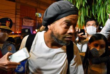 Ronaldinho Gaúcho sai da prisão e permanecerá em hotel no Paraguai | Norberto Duarte | AFP