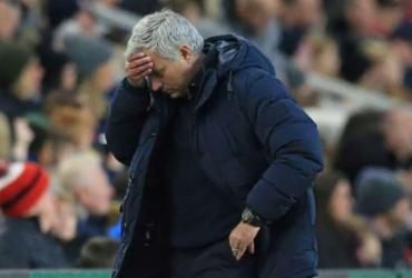 Tottenham adverte Mourinho e jogadores que descumpriram confinamento | AFP
