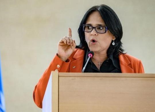 Ministra Damares Alves sugere home office para profissionais do sexo | Fabrice Coffrini | AFP