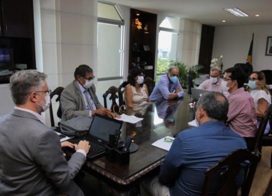 Bahia autoriza tratamento que associa hidroxicloroquina e azitromicina para pacientes | Reprodução | Twitter | @fabiovboas