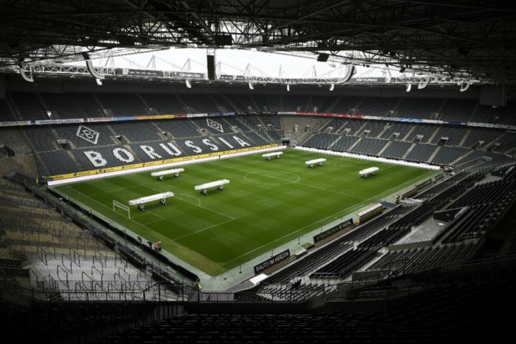 Proposta é de que o futebol no país retorne no dia 9 de maio   Foto: Ina Fassbender   AFP - Foto: Ina Fassbender   AFP