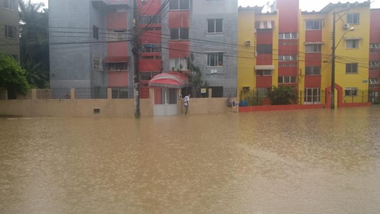 Segundo os moradores, o alagamento sempre ocorre quando há fortes chuvas | Foto: Reprodução | Meu Imbuí - Foto: Reprodução | Meu Imbuí