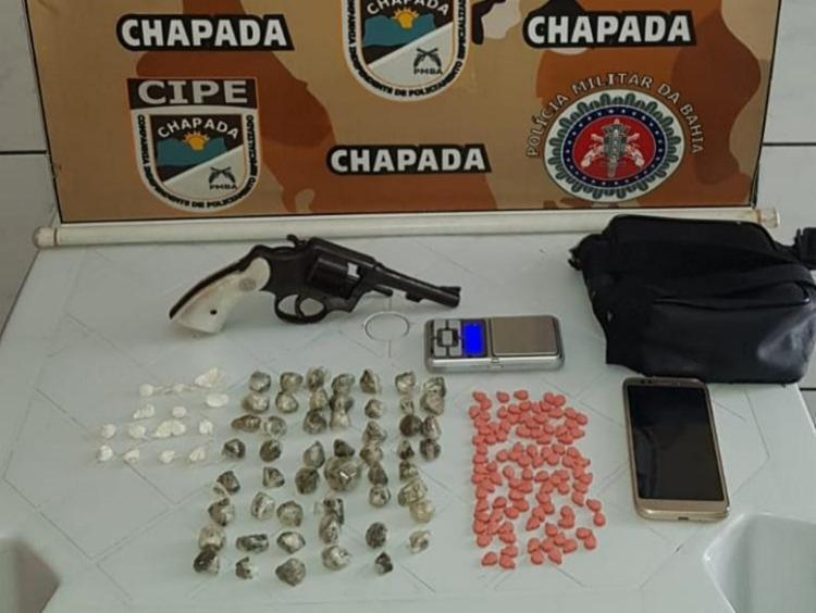 Armas e drogas foram apreendidas na ação   Foto: Divulgação   SSP - Foto: Divulgação   SSP