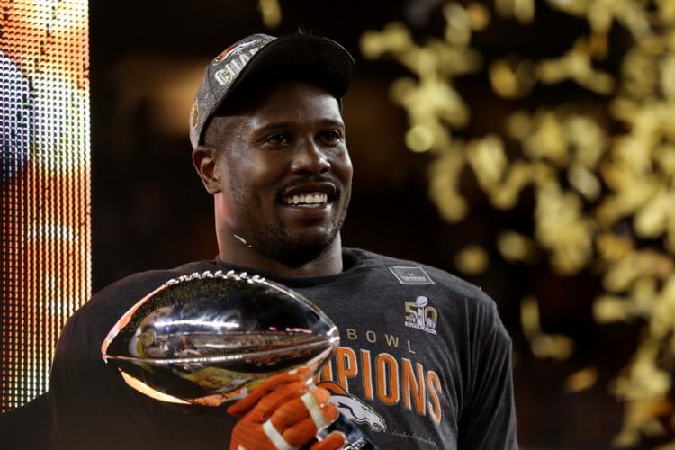 Os Broncos venceram a temporada 2016 do Super Bowl com Miller sendo o melhor da partida | Foto: Patrick Smith | AFP - Foto: Patrick Smith | AFP