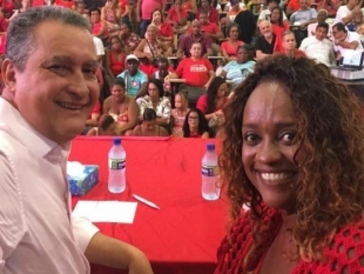 Pré candidata durante evento com o governador do estado Rui Costa (PT) - Foto: Foto: Redes Sociais