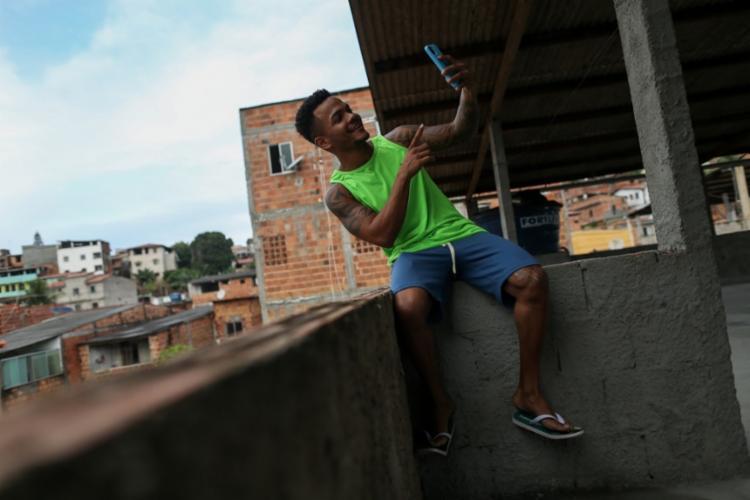 Leozito Rocha se inspira no trabalho de atores como Eddie Murphy e Chico Anysio | Foto: Raphael Müller | Ag. A TARDE