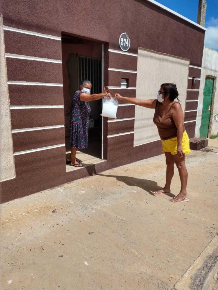 A inciativa partiu das costureiras que fazem parte do Grupo Arte do Bem viver, formado por cerca de 400 idosos. - Foto: Prefeitura de Irecê_divulgação
