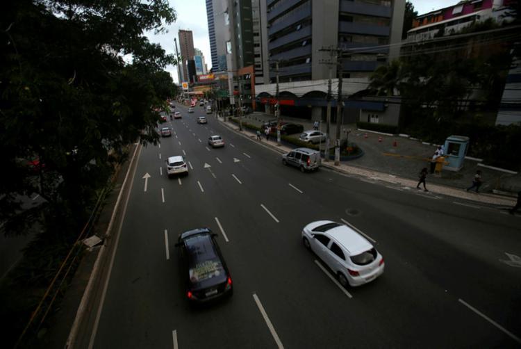 Volta de movimento no trânsito da capital preocupa | Foto: Raphael Müller | Ag. A TARDE - Foto: Raphael Müller | Ag. A TARDE