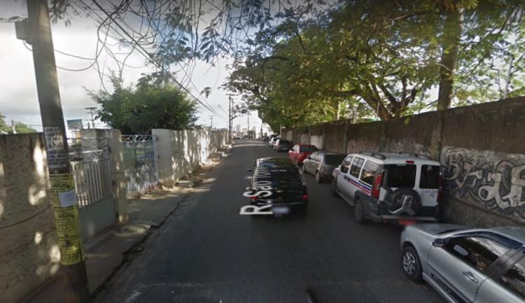 Crime aconteceu em frente à Escola Municipal Filhos de Salomão   Foto: Google Street View - Foto: Google Street View
