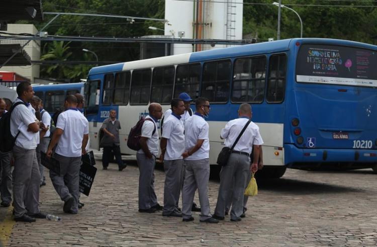 Salvador sofreu uma redução de 76% na demanda diária por ônibus - Foto: Joá Souza | Ag. A TARDE