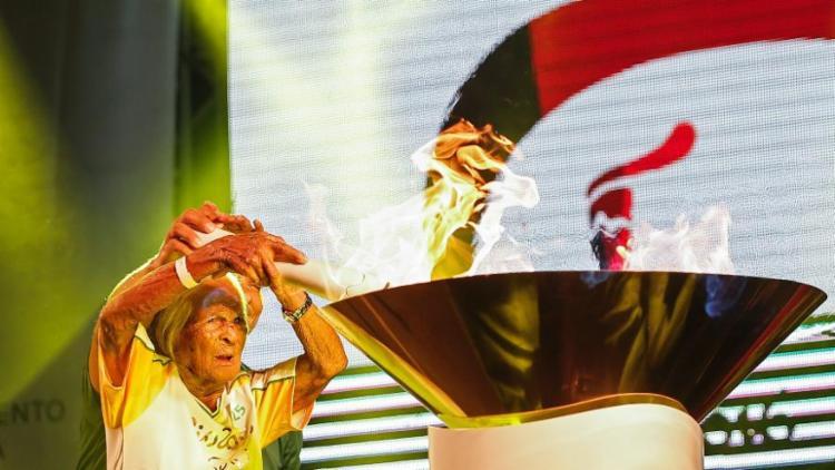 Aos 106 anos, Iaiá se tornou a pessoa mais velha a carregar a Tocha Olímpica | Foto: André Luiz Mello | Rio 2016 - Foto: André Luiz Mello | Rio 2016