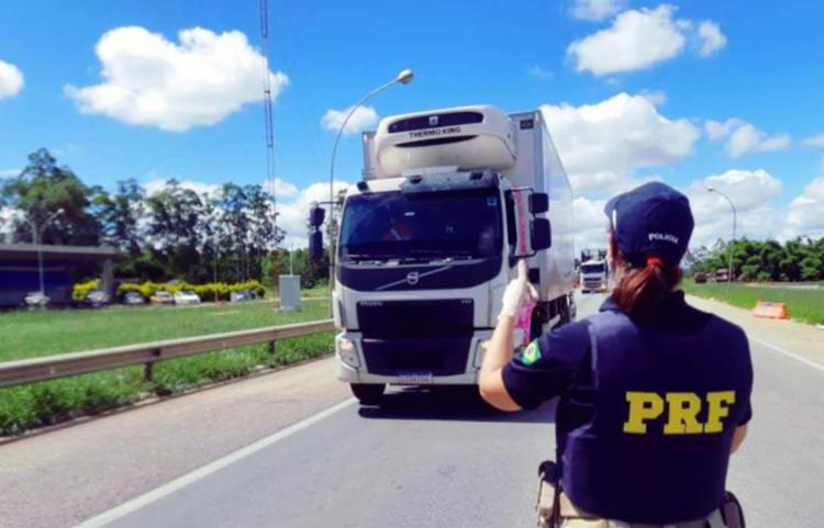 PRF informa ainda que não haverá restrição de tráfego para veículos de carga neste feriado da Semana Santa | Foto: Divulgação | PRF - Foto: Divulgação | PRF
