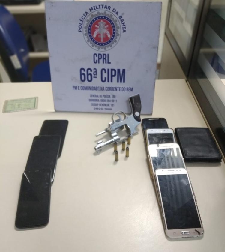 Armas e celulares foram encontrados pela polícia com os suspeitos | Foto: Divulgação | SSP - Foto: Divulgação | SSP