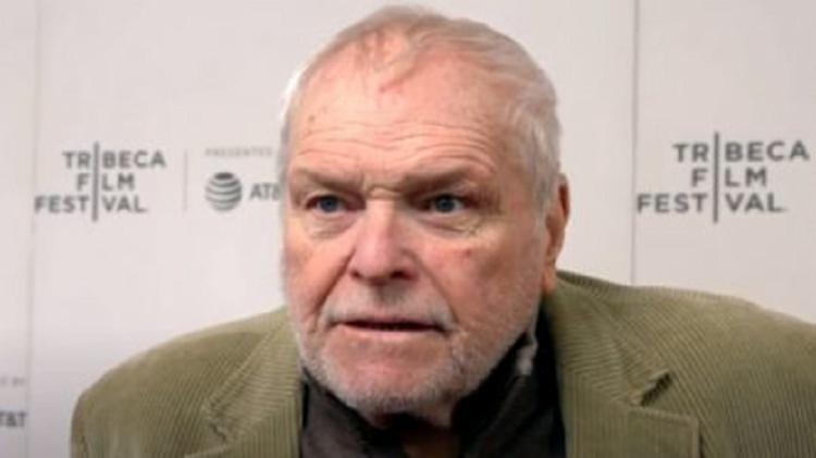 Dennehy morreu de causas naturais não relacionadas ao coronavírus em sua casa | Foto: Reprodução | YouTube